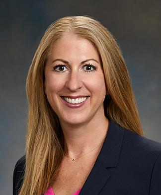 Headshot of Spine Center Dr. April Fetzer, DO
